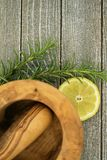 Limón y romero foto de archivo libre de regalías