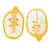 Limões cortados longitudinais Fotografia de Stock
