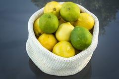 Limões e cais Fotos de Stock