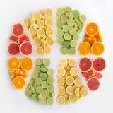 Limões, laranjas e cais fotos de stock royalty free