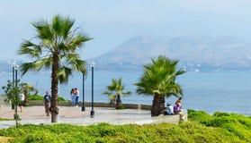 Lima, Peru Allgemeiner Park in der Ansicht Miraflores-Bezirkes und der Pazifikküste lizenzfreies stockfoto