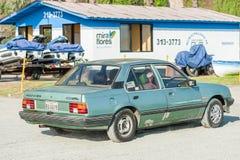 LIMA PERU - APRIL 14, 2013: Gammal Opel Ascona bil i Lima, Peru arkivbild