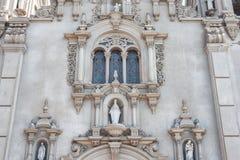 LIMA PERU - APRIL 12, 2013: Parroquia Virgen Milagrosa Church i Lima, nästan Kennedy Park royaltyfri foto