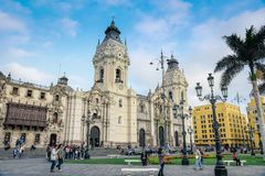 Lima/Peru - 07 18 2017: Basílica colonial da catedral de St John fotos de stock royalty free