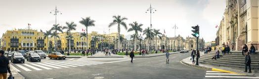 Lima/Peru - 07 18 2017 Panorama bij het belangrijkste vierkant van Plaza DE Armas stock foto