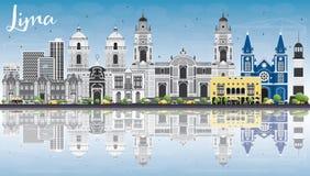Lima Skyline con Gray Buildings, cielo blu e le riflessioni Fotografia Stock