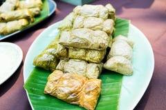 Limaktiga ris som ångas i bananbladet (Khao Tom Mat eller Khao Tom P Royaltyfria Bilder