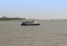 Liman de Sergeevka Dniéster del Mar Negro y de la nave en la foto de la región de Odessa, Ucrania, el 20 de junio de 2017 Fotos de archivo libres de regalías