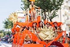 LIMASSOL, CHYPRE - 26 FÉVRIER : Participants de carnaval sur le défilé de carnaval de la Chypre le 26 février 2017 à Limassol Image libre de droits
