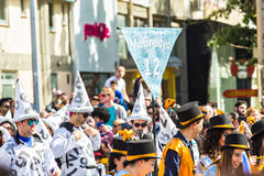 LIMASSOL CYPR, LUTY, - 26: Niezidentyfikowani Karnawałowi uczestnicy maszerują w Cypr Karnawałowej paradzie na LUTY 26, 2017 Zdjęcia Stock