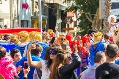 LIMASSOL CYPR, LUTY, - 26: Niezidentyfikowani Karnawałowi uczestnicy maszerują w Cypr Karnawałowej paradzie na LUTY 26, 2017 Obrazy Stock