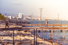 LIMASSOL CYPR, Marzec, - 08, 2016: Limassol nadbrzeże drewniany pi obraz royalty free