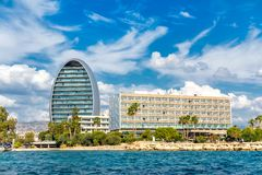 Limassol waterkant met hotels, modern modern en strand cyprus stock foto's