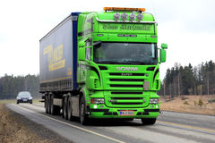 Lime Green Scania R500 Semi Trailer on the Road Royalty Free Stock Photos