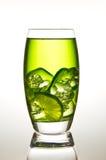 Limedrink mit Eis Lizenzfreie Stockbilder