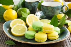 Limefrukt- och citronmakron. royaltyfri foto