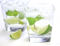 limefruktvatten Arkivfoto