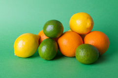 Limes_oranges_lemon_stock_pictures Arkivbild