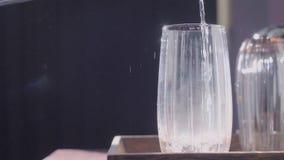 Limescale в воде акции видеоматериалы