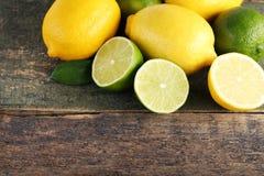 Limettes et citrons Photographie stock libre de droits