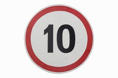 Limitation de vitesse de ` de panneau routier 10 km/h de ` d'isolement sur le blanc Photo libre de droits