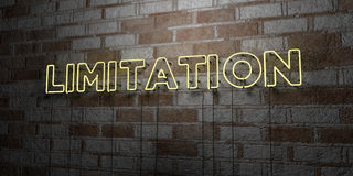 LIMITAZIONE - Insegna al neon d'ardore sulla parete del lavoro in pietra - 3D ha reso l'illustrazione di riserva libera della sov royalty illustrazione gratis