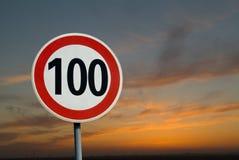 Limite de 100 kilomètres Images libres de droits