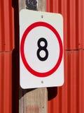 Limite de velocidade oito no vermelho Imagens de Stock Royalty Free