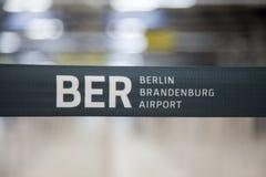Limite della barriera di Berlin Brandenburg Airport immagini stock libere da diritti