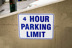 Limite di quattro ore di parcheggio Immagine Stock Libera da Diritti