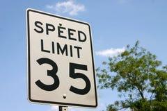 Limite di velocità 35 Fotografie Stock