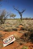 Limite di velocità dell'australiano Outback Fotografia Stock