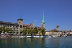 Limmat brzeg rzeki w Zurich Obraz Royalty Free
