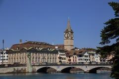 Limmat brzeg rzeki w Zurich Obrazy Stock
