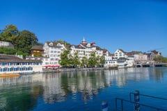 Limmat flod i Zurich, Schweiz Royaltyfria Foton