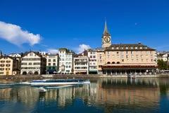 Limmat Fluss in Zürich Stockfotografie