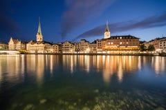 Limmat-Flussufer in Zürich Lizenzfreie Stockfotografie