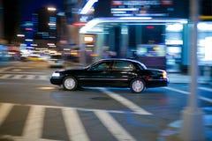 Limo nero alle strade trasversali Fotografia Stock Libera da Diritti