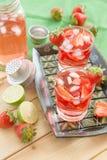 Limonada caseiro da morango imagens de stock