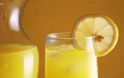 Limonada com jarro fotos de stock