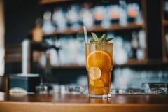 Limonada de refrescamento do ch? de gelo saboroso fotos de stock