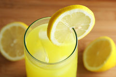 Limonada e limões imagens de stock royalty free