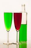 Limonada en vidrios y botellas Imagen de archivo