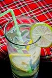 Limonada fría del verano con los cubos de hielo Foto de archivo libre de regalías