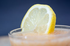 Limonada fresca com folhas verdes Foto de Stock Royalty Free