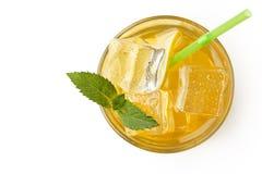 Limonada fresca com gelo e hortelã Modo do verão Isolado fotografia de stock