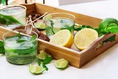 Limonada fresca con hielo Fotos de archivo
