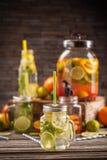 Limonada fresca fresca de la fruta cítrica Fotografía de archivo libre de regalías