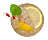 Limonada fresca do cocktail, soda do limão do mel com fatia amarela do cal e opinião superior da hortelã isoladas no fundo branco imagens de stock royalty free