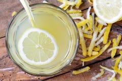 Limonada sana de restauración hecha en casa del verano fotos de archivo
